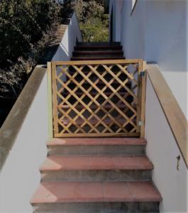 Cancellino scala principale (per recintare la terrazza)